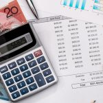 Top 9 tips for buying on a budget